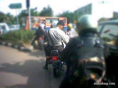 Sorry Dab, Gue Lupa Bawa Helm, Kepala Gue Dah Cukup Kok