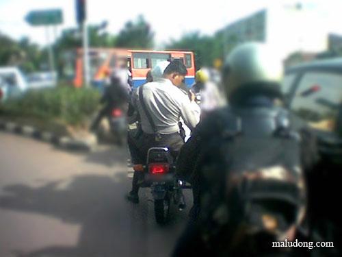 polisi egois